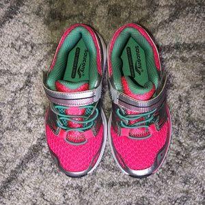NWOT Saucony sneakers toddler 10.5